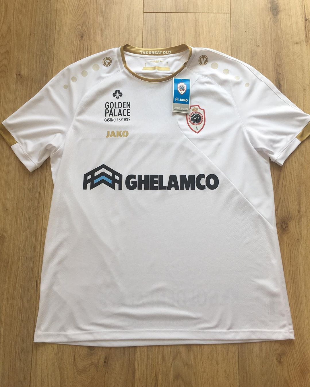 Royal Antwerp F.C. Away 2019/2020 Football Shirt Manufactured By Jako. The club plays football in Belgium.
