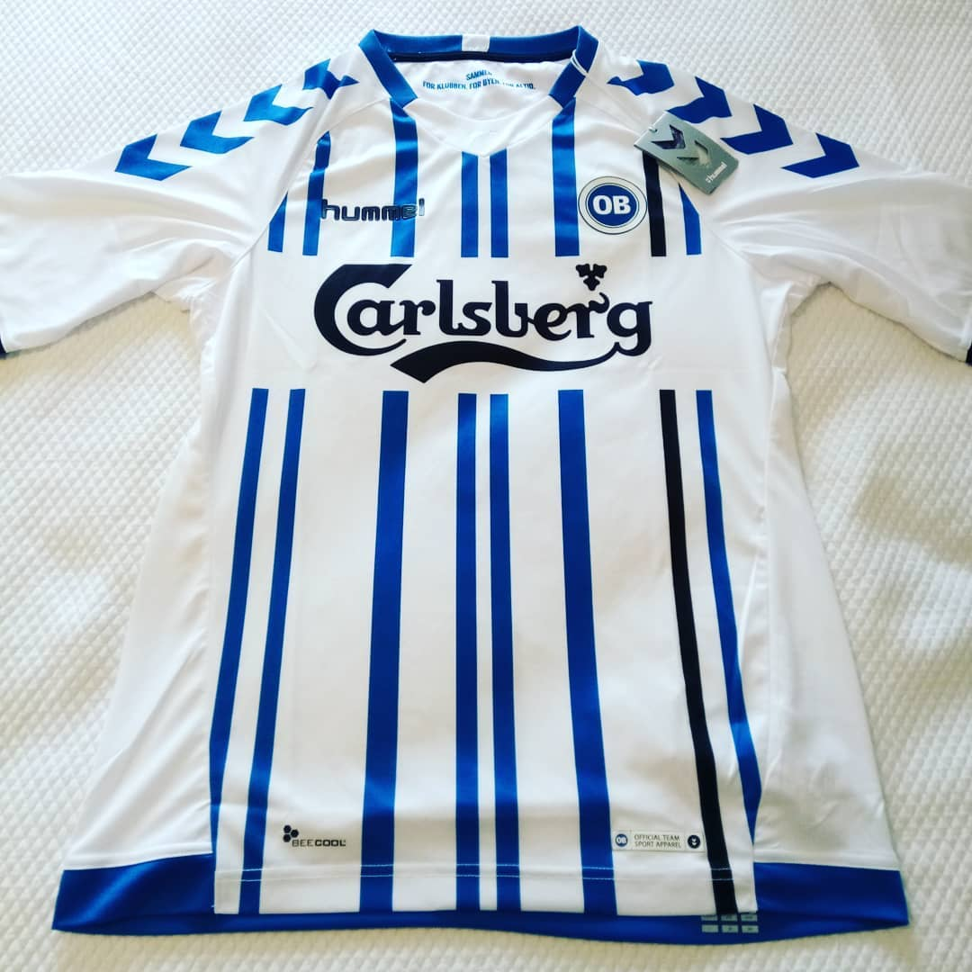 Odense Boldklub Home 2017/2018 Football Shirt Manufactured By Hummel. The club plays football in Denmark.