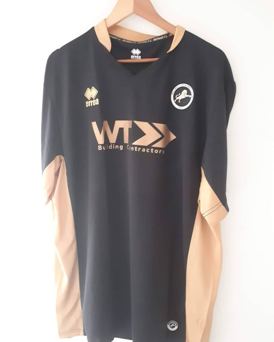 Millwall Third 2016/2017 Football Shirt. Club Football Shirts.