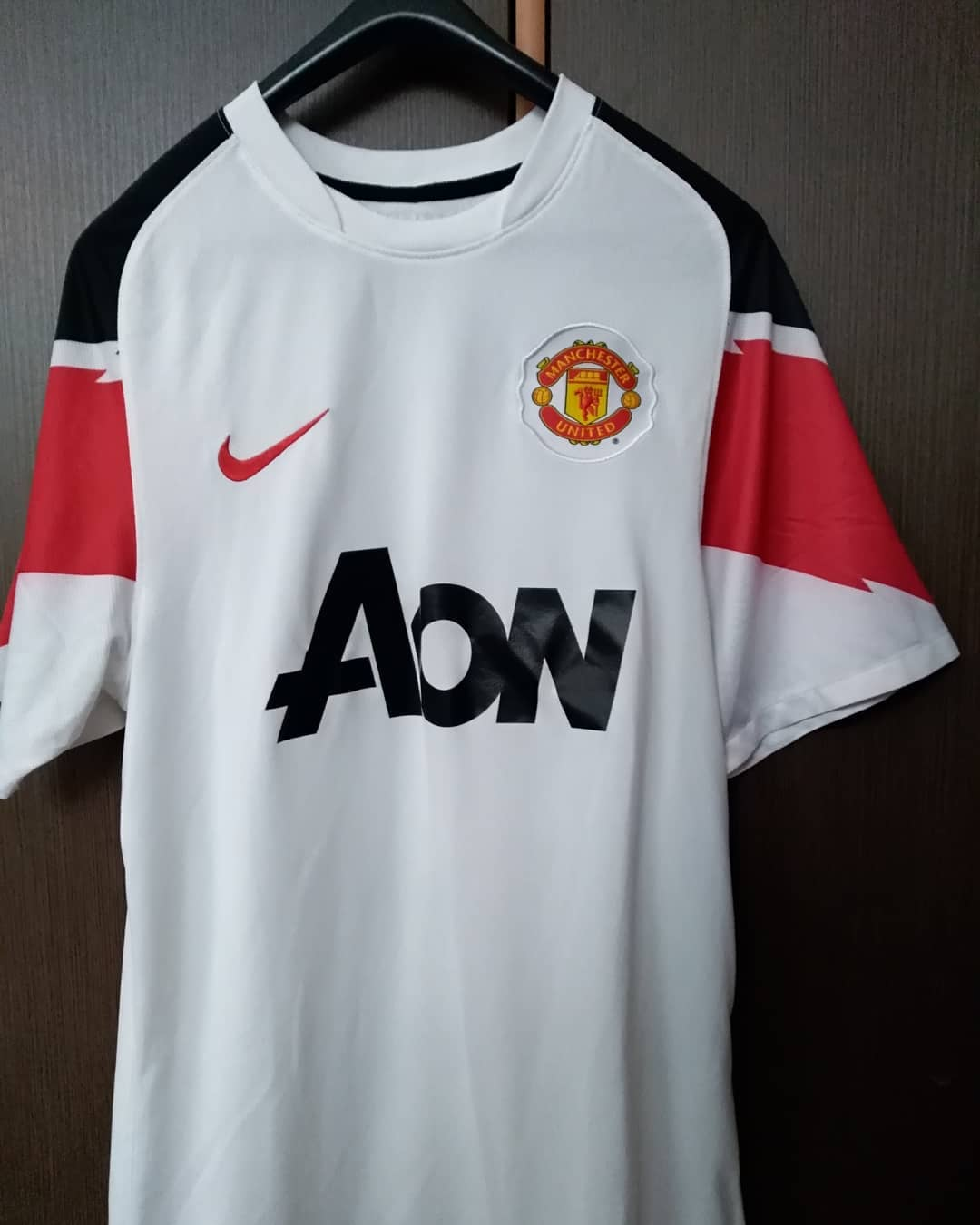 Manchester United Away 2010/2012 Football Shirt. Club Football Shirts.