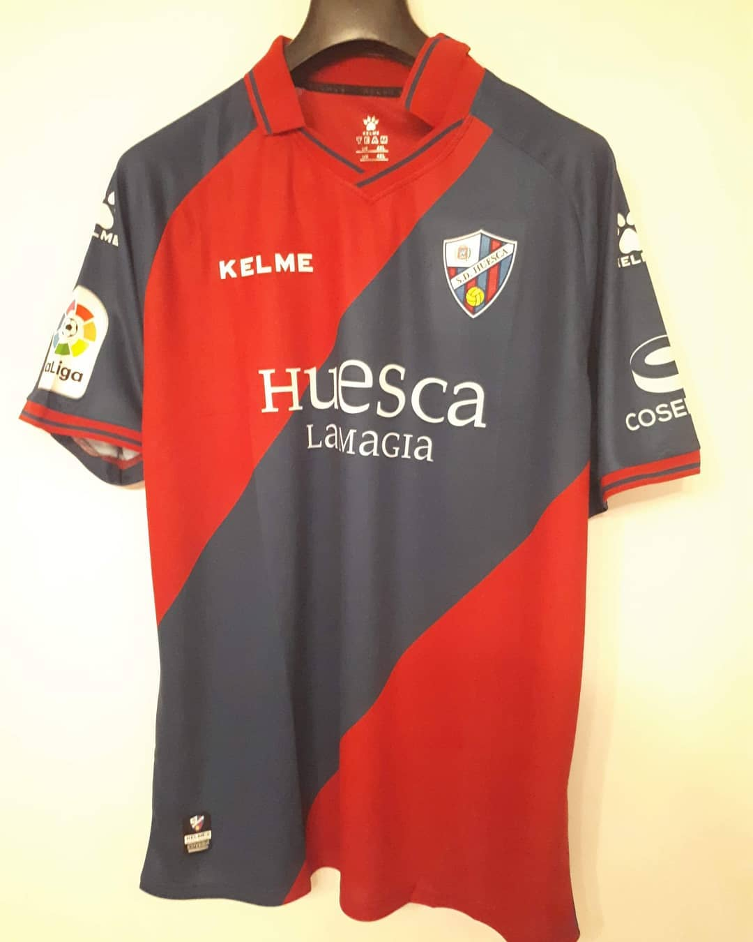 Huesca Home 2018/2019 Football Shirt. Club Football Shirts.
