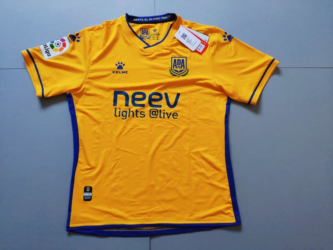 AD Alcorcón Home 2019/2020 Football Shirt Manufactured By Kelme. The Club Plays Football In Spain.