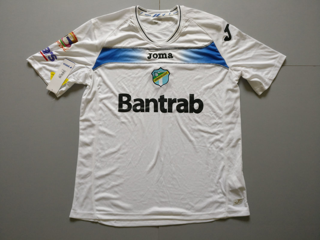 C.S.D. Comunicaciones Home 2011/2012 Football Shirt Manufactured By Joma. The Club Plays Football In Guatemala.