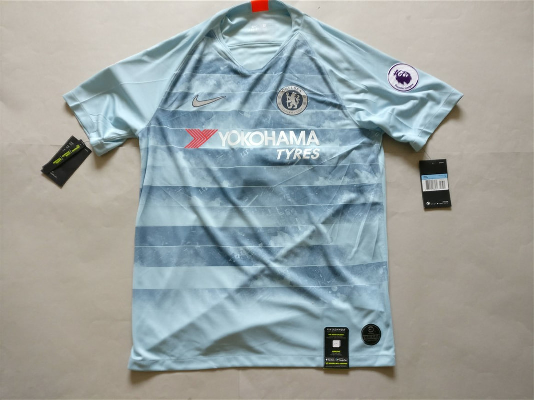 Chelsea F.C. Third 2018/2019 Football Shirt Manufactured By Nike. The shirt is sponsored by Yokohama Tyres.
