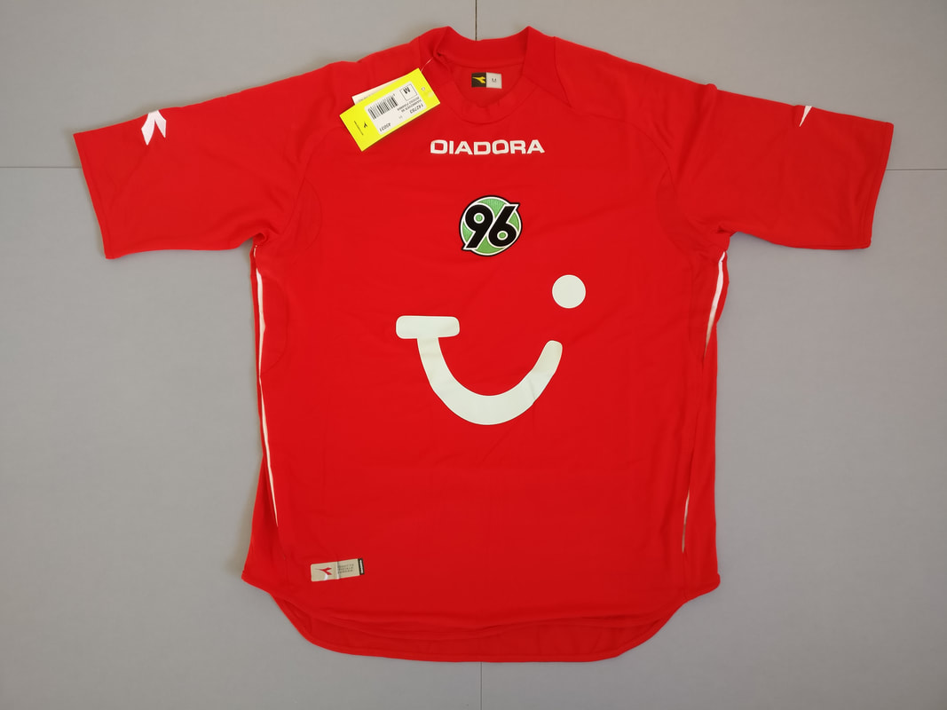 Hannover 96 Home 2006/2007 Football Shirts Manufactured By Diadora. The Club Plays Football In Germany.