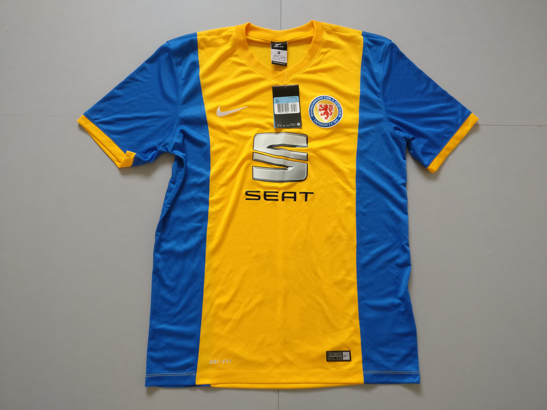 Braunschweiger Turn- und Sportverein Eintracht von 1895 e.V. Home 2014/2015 Football Shirt Manufactured By Nike. The Club Plays Football In Germany.