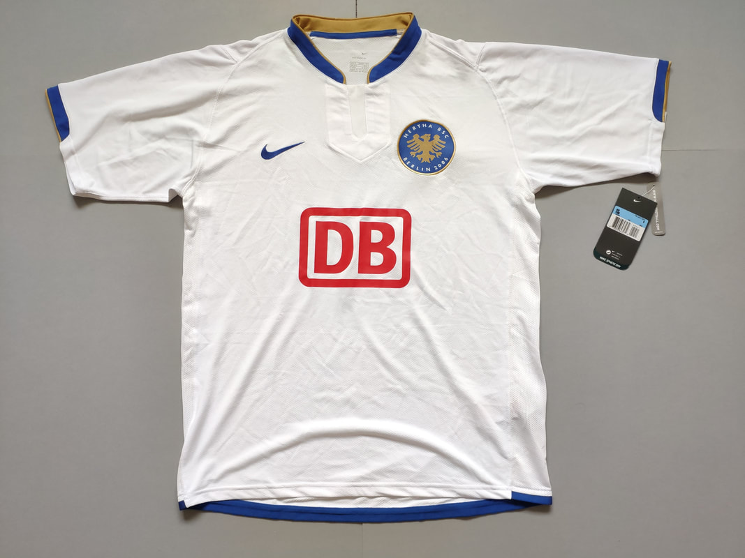 Hertha BSC Home 2006/2007 Football Shirt Manufactured By Nike. The Club Plays Football In Germany.