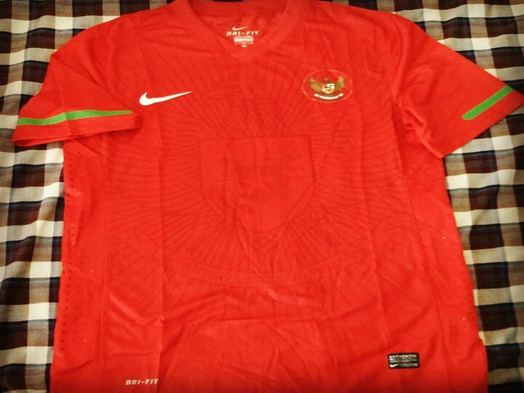 Indonesia Player Issue Home 2010/2012 Shirt