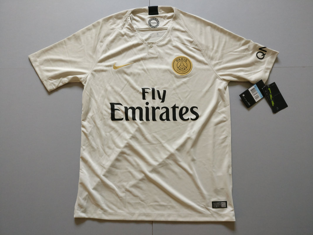 Paris Saint-Germain F.C. Away 2018/2019 Football Shirt Manufactured By Nike. The Club Plays Football In France.