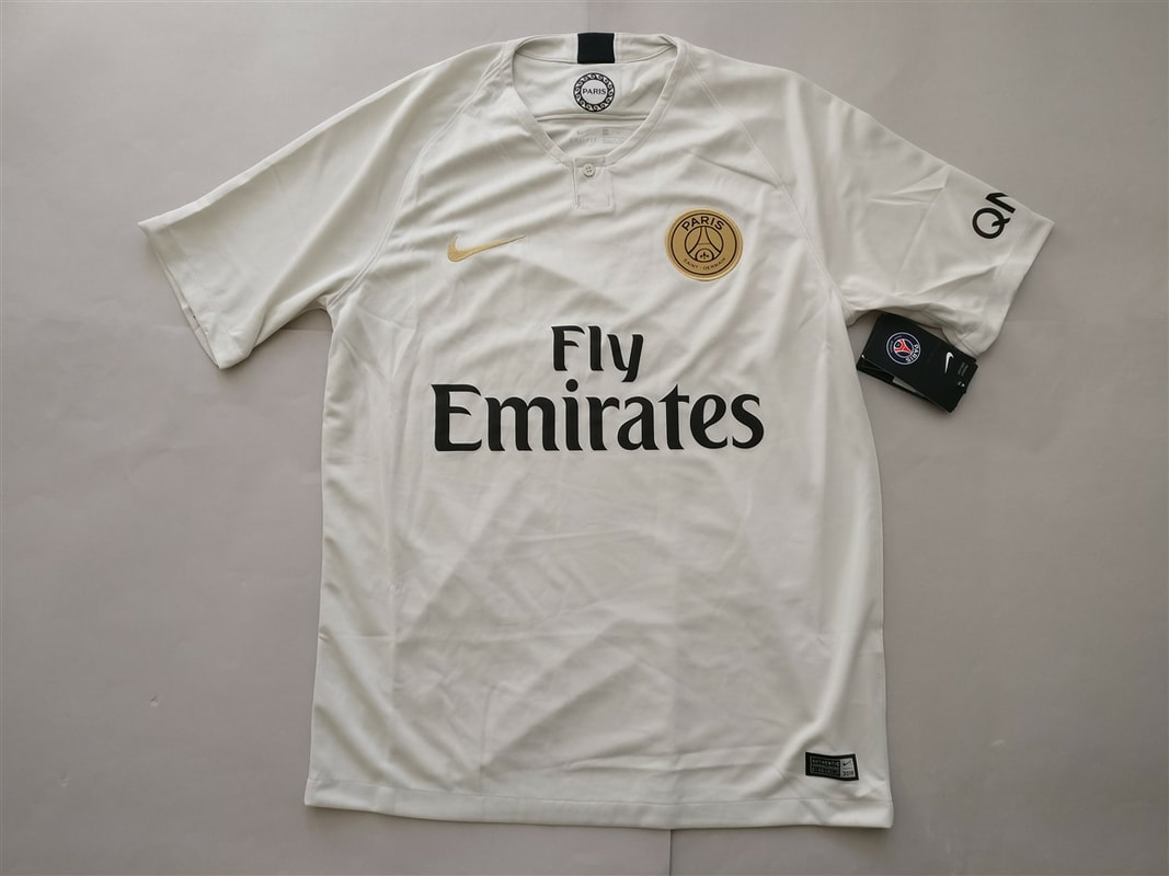 Paris Saint-Germain F.C. Away 2018/2019 Shirt. BNWT. Medium. Club Football Shirts.