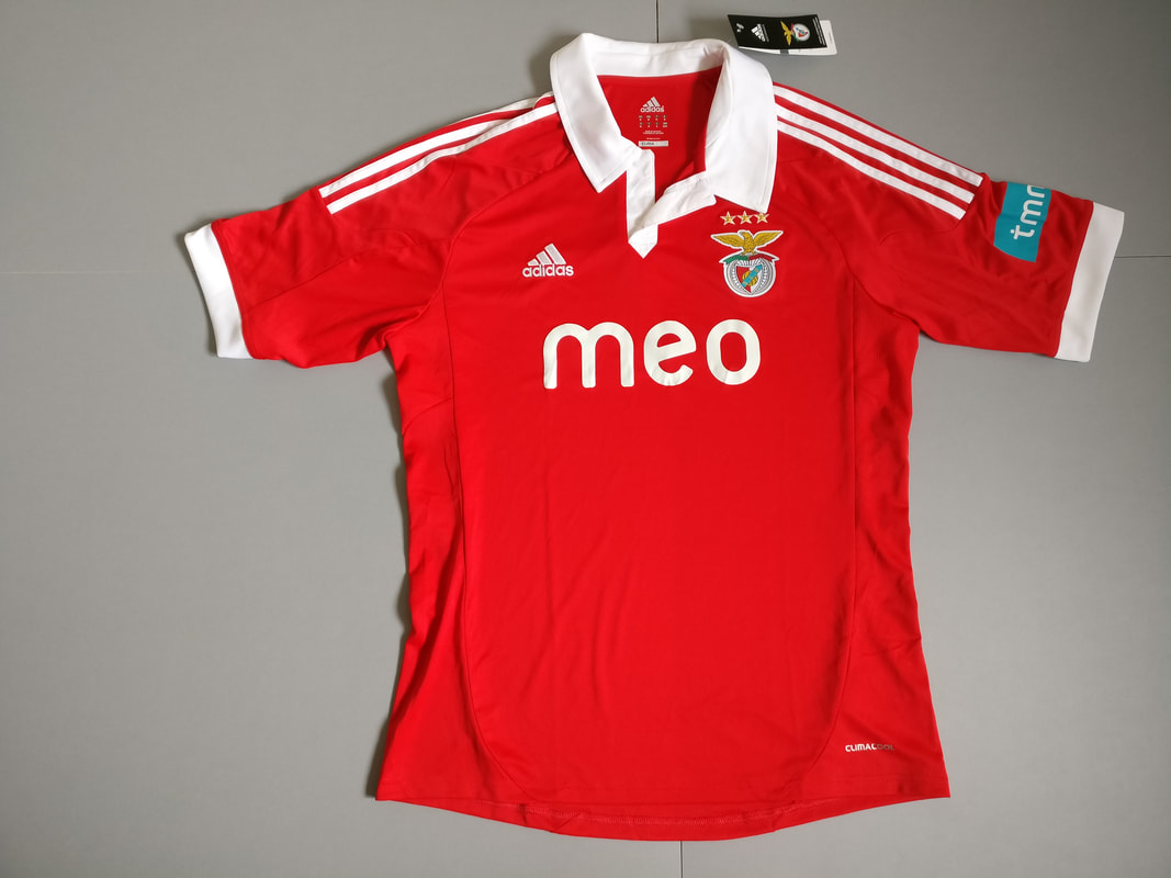 S.L. Benfica Home 2012/2013 Football Shirt Manufactured By Adidas. The Team Plays Football In Portugal.