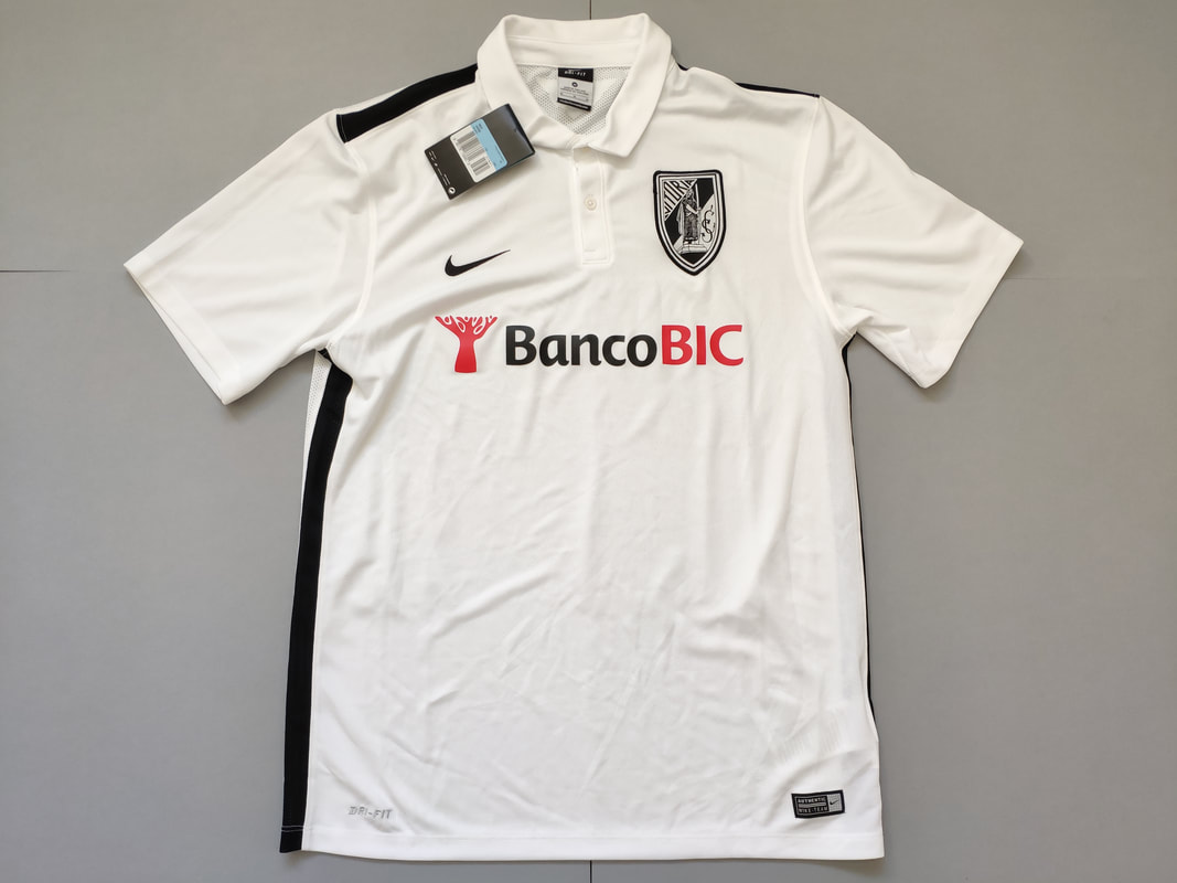 Vitória SC Home 2015/2016 Football Shirt Manufactured By Nike. The Club Plays Football In Portugal.